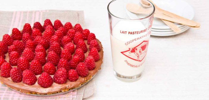 Recette sans cuisson : Tarte sans cuisson pâte à tartiner chocolat-framboise